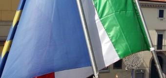 Nuove Bandiere sede Comunale