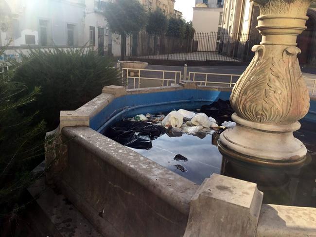 Grumo Nevano, VANDALIZZATA la fontana monumentale sita in piazza PIO XII, APPENA RESTAURATA
