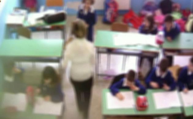 **DA NON CREDERE** Bimbi maltrattati a scuola, arrestate quattro maestre