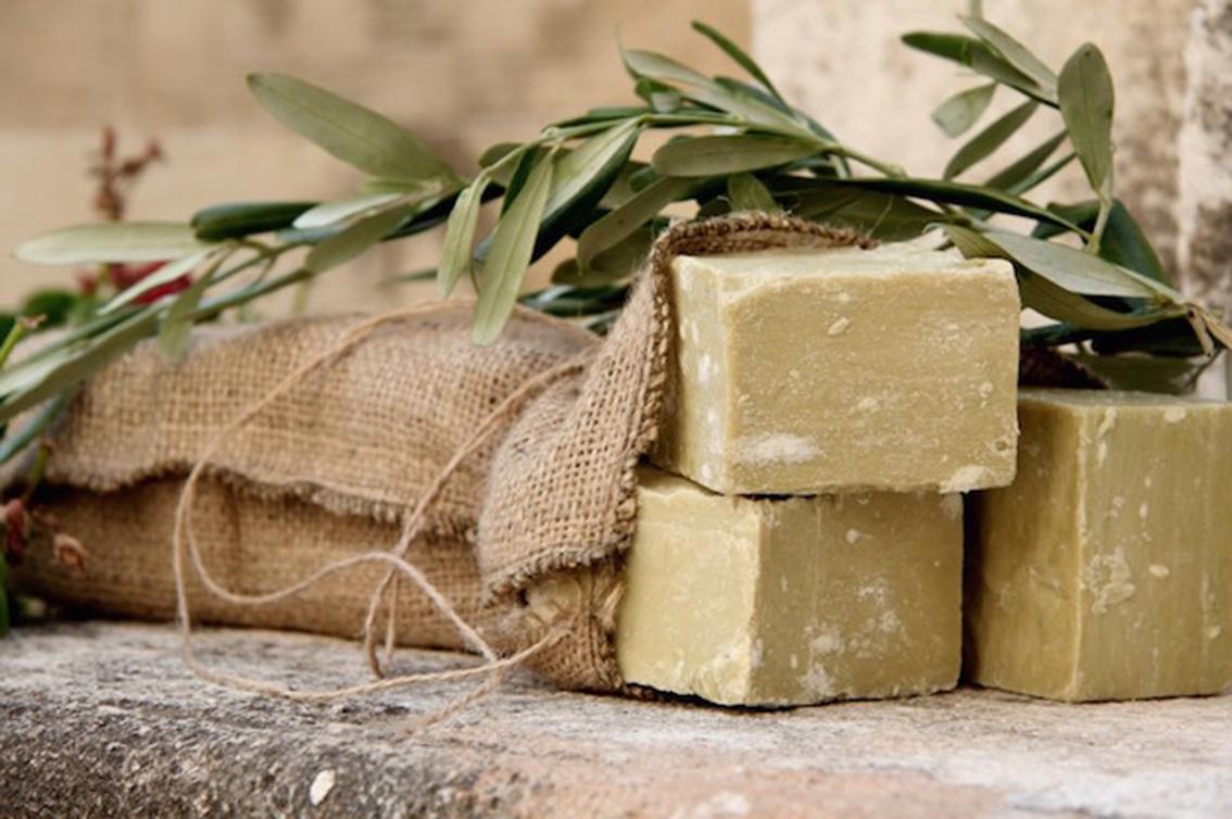 **Approfondimenti**La storia antica del sapone, dagli Arabi al Regno delle Due Sicilie