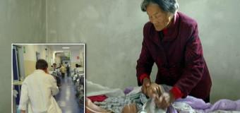 **DA NON CREDERE** Si sveglia dopo 12 anni di coma e trova la mamma 75enne al suo capezzale: «Lo ha accudito giorno e notte»