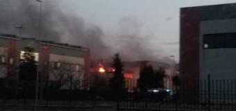 In fiamme calzaturificio nell'area industriale fra Carinaro e Teverola