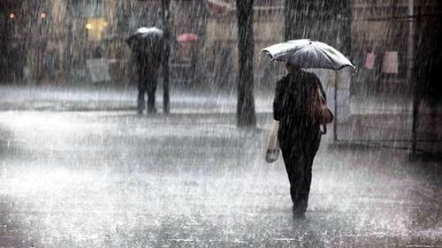 NON E' FINITA: Nuova allerta meteo a Napoli nel fine settimana: pioggia e vento forte, ECCO DOVE
